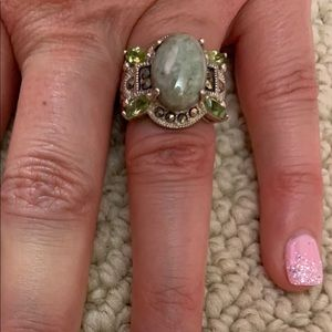 Jewelry - Sterling Ring Size 6 Jade Looking Center Stone